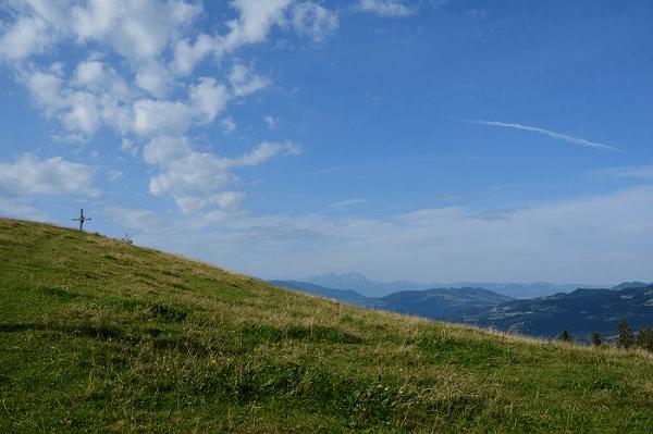 Saentisblick mit Gipfelkreuz